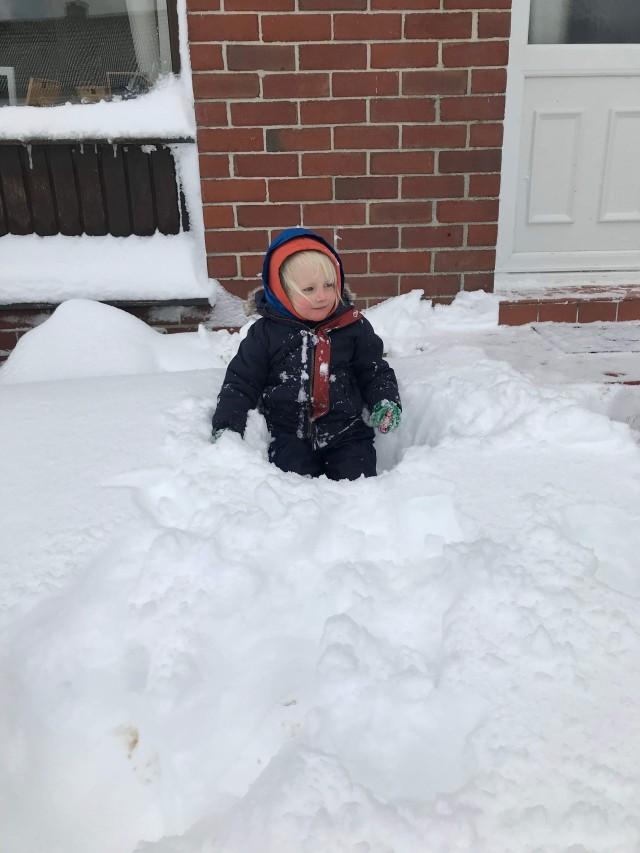 Luke in snow
